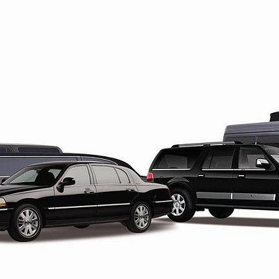 Golden Class Limo Service is specialized in professional and efficient transportation services in the tri-state area