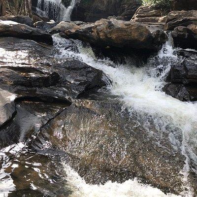 Manjehalli Waterfalls 2
