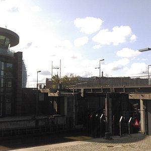 Bremerhaven. Schleuse Neuer Hafen (August 2018)...