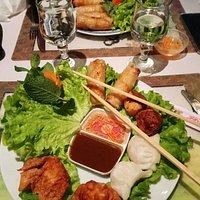 Assiette de nems au porc + assiettes des 3 bonheurs