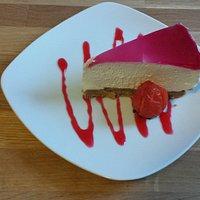 Homemade raspberry cheesecake