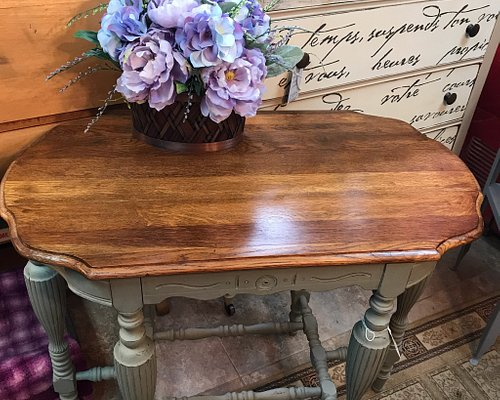 So many beautiful pieces to choose from!  Chalk painted and up-cycled as well as original patina. The great part is...the paint is available to customize pieces at home.  I love my new office piece from Black Oak Antiques! I'll definitely be back for more!