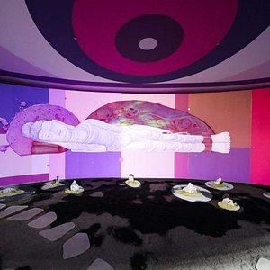 Graffiti artist Fansack created an art installation combining graffiti, projection mapping, zen garde, Chinese rocks, in a 15 meters eye shaped room