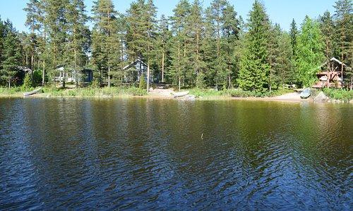 Three cottages (Kevätjää, Keväthanki and Edeninranta).