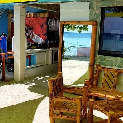 Nice and chill place on frot of Go Dive Siquijor