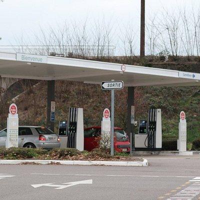 Vue de la station à essence