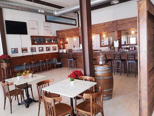 Interior climatizado de la cervecería de la Fábrica de cerveza Ebora.