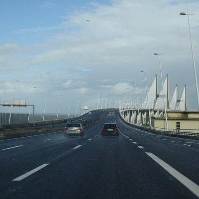 Gran y bonito puente!! entrada a Lisboa