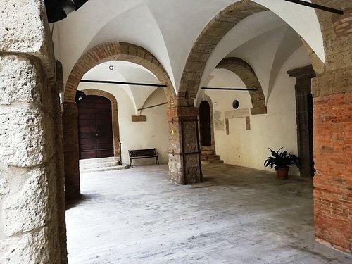 教会付近にある回廊