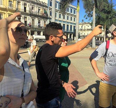 Beginning a Havana Day Tour in Parque Central