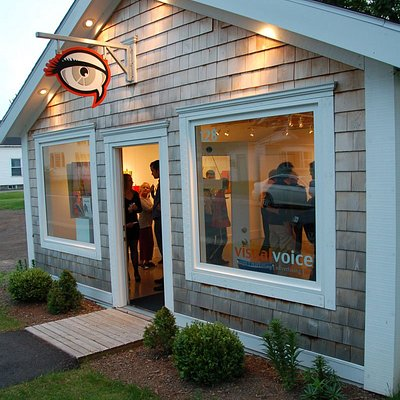 Visual Voice Fine Art - gallery exterior