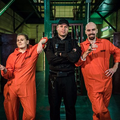 Handcuffed, locked up and 45 minutes to escape.  Now playing at The Maitland Gaol - in a real prison.  Your warden will take you through your paces!