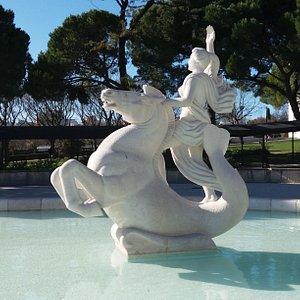 Estátua com Cavalo