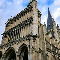 Iglesia de Notre Dame en la ciudad de Dijon, en la región de Borgoña en Francia