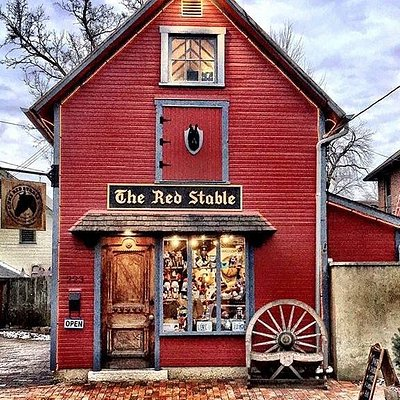 The Red Stable. Featuring OHIO-made souvenirs & gifts from over 100 local artists & vendors from German Village, Columbus and Ohio.