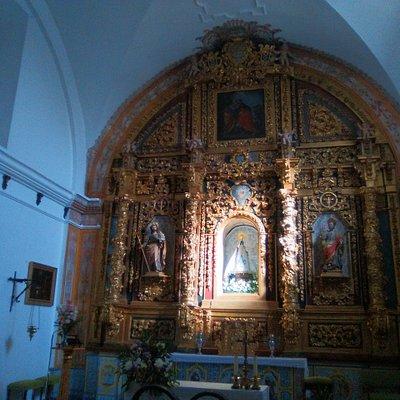 Interior del santuario.
