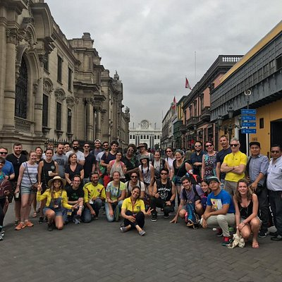 An amazing tour today! 😎 Our group was a party, people came from all corners of the planet to explore this city. And you, when will you be joining us?😉