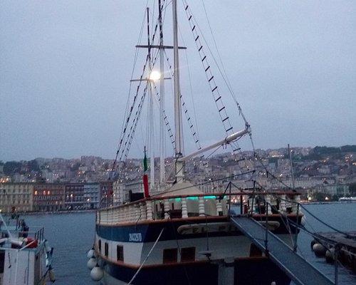 El Pirata Boat - Passerelle d'accès