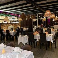 Ambient vo Lajt Klub Restoran