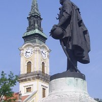 Statue of Kossuth Lajos. It is on the main square of Kecskemét, in front of the Town Hall.