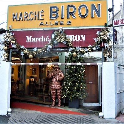 Entrée Marché Biron