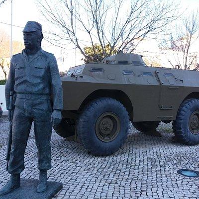 Estátua em Homenagem a Salgueiro Maia
