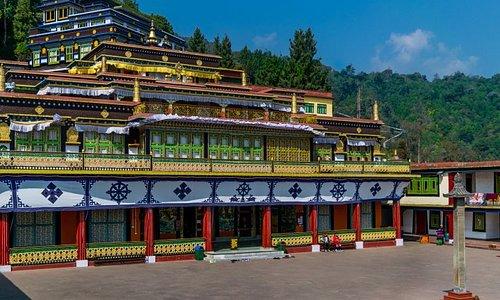 Private Tour - 5 Days in Darjeeling & Gangtok from Kolkata, visit monasteries, enjoy joy ride on toy train, hotel accommodation in 4 star, contact info@wrjholidays.com