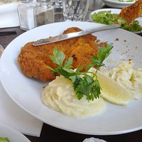 Schnitzel with mashed potatoes