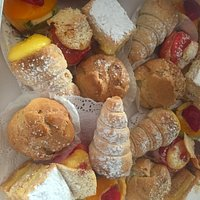 Mixed Plate (six small pastries per plate)