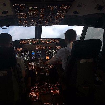 Ascent Aviation B737-800NG Simulator