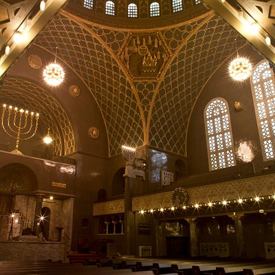 Große Synagoge in der Halderstraße. Das Jüdische Museum Augsburg Schwaben ist im Westtrakt untergebracht, zum Museumsbesuch gehört der Blick in die Synagoge.