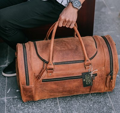 Leather travel bag or duffel bag