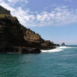 Recorridos náuticos en área marina del Parque Nacional Machalilla.