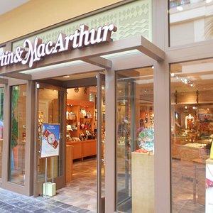 マーチン&マッカーサーアラモアナセンター店