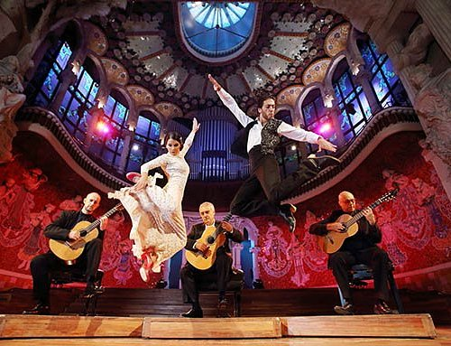 One of our favourite pictures, used to promote our concerts at the Palau de la Música Catalana, in Barcelona. Jumping in the picture, we have some of nowadays' most brilliant Spanish dancers: Carolina Morgado and José Manuel Álvarez.