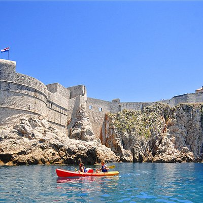 Capture amazing views of the Dubrovnik Old Town City Walls on our Dubrovnik Sea Kayaking Tours!