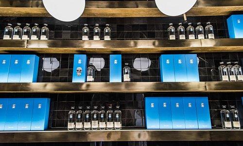 tasting room at Doce 18