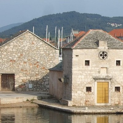 Church of St. Jerome, on the north side of Stari Grad harbor