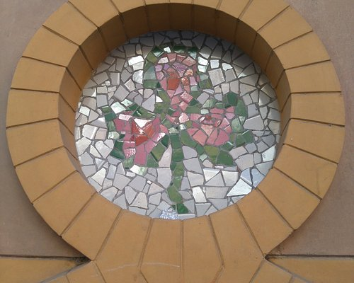 "Flor en ""Trencadís"" de Cerámica"