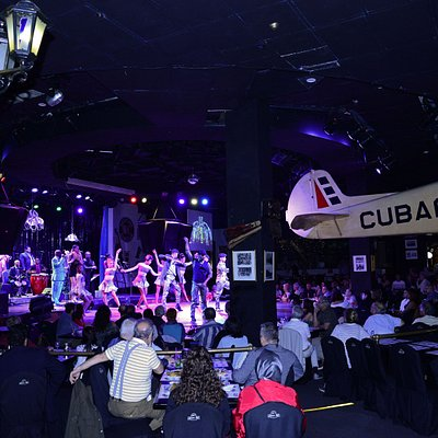 """Espectáculo """"Con Buena Vista Habana Rakatán"""" Orquesta del Maestro Jesús Aguaje y la compañia de baile Rakatán."""