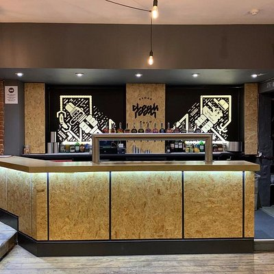 Now that's one good looking bar!