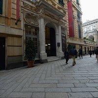 Via Garibaldi - scorcio con Palazzo Bianco e Tursi