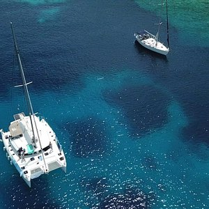 Catamaran vs mono hull