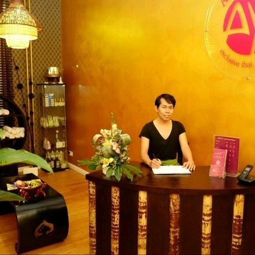 Berlin thai massage mitte Lomi Lomi