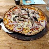 Turkey and mushroom pizza. Vegan (Cauliflower) hot wings.