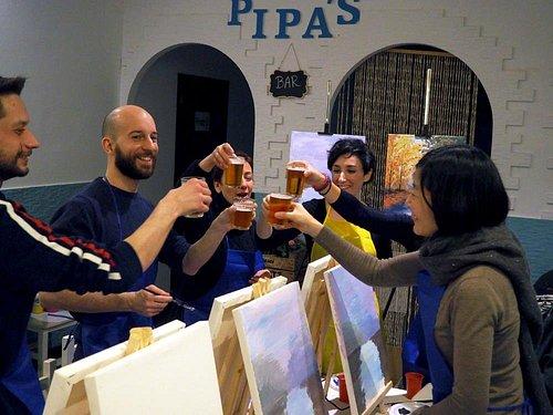 """Menudas obras de arte! Gracias a todos los participantes del primer """"Free Art"""" de Pincelea. Hemos juntado buena gente, bebida, comida, mucho arte y muchas risas. Todo un éxito!!"""