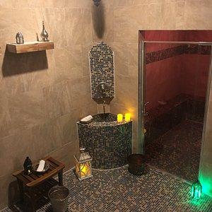 Small Hammam room & steam room
