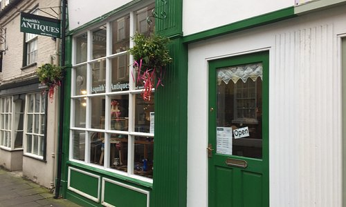 Asquiths Antiques Bridlington Old Town