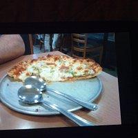 La photo ne rends pas justice  La pizza est délicieuse,la meilleure à Montréal