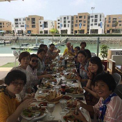 cuisine internationale et marocaine spécialiste poisson et tajines